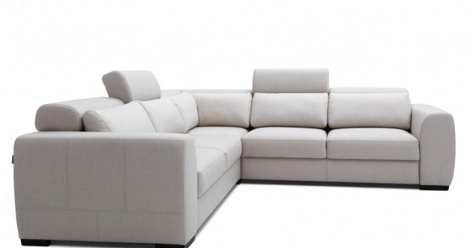 Regulowane zagłówki podnoszą komfort siedzenia.