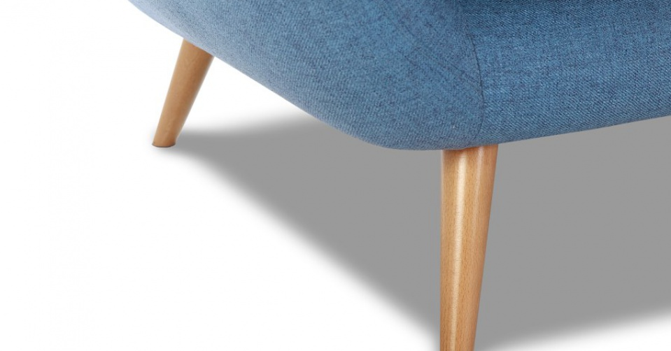 Drewniane nogi są lekkie i subtelne.
