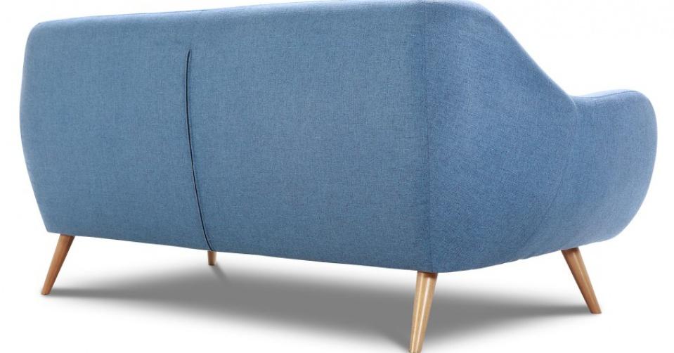 Sofa pięknie prezentuje się z każdej strony.